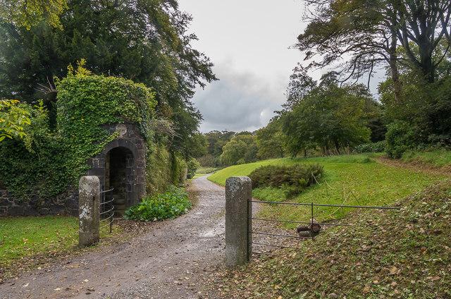 Drive to Trelowarren House