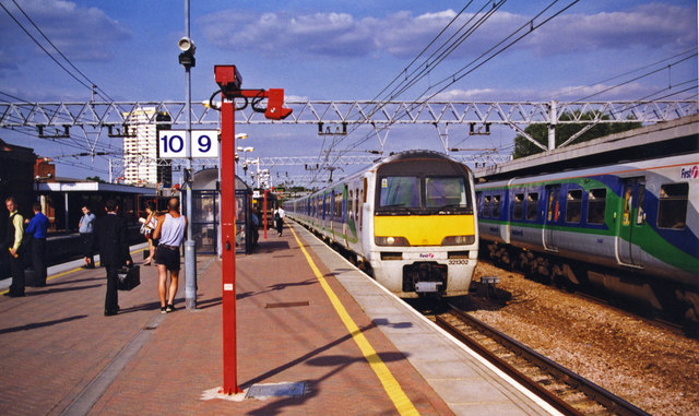 Stratford (Regional) station, Up Main platforms, 1998