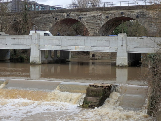 Milverton viaduct, Princes Drive bridge and weir in the River Leam, Leamington