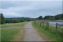 TQ3328 : Footpath on dam by N Chadwick