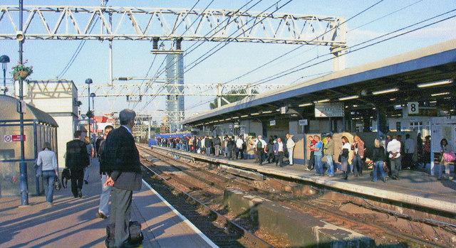 Stratford (Regional) station, GE Line platforms, 2008