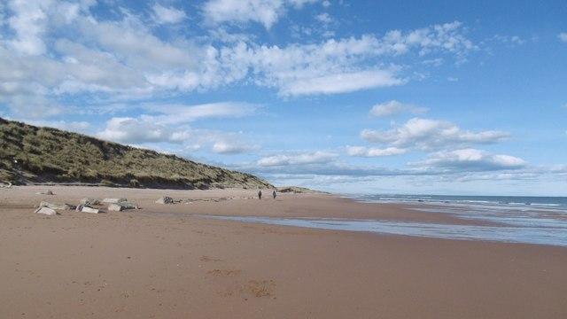 0c9b45cbf0e Beach, Balgownie Links © Richard Webb :: Geograph Britain and Ireland
