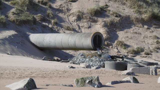 ffb1ea40fdc Outflow pipe, Balgownie Links © Richard Webb :: Geograph Britain and ...