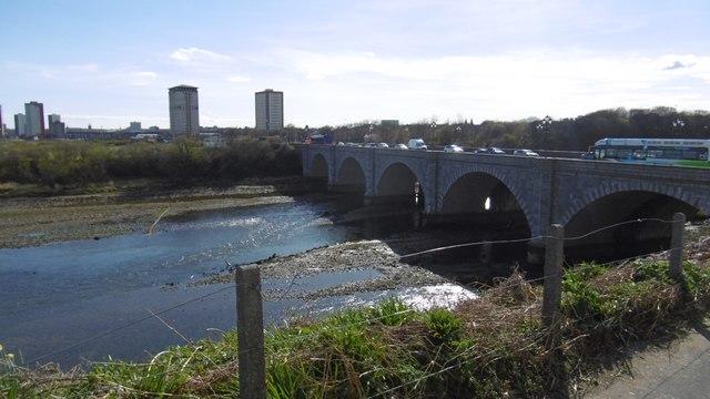 e78aa4d1907 Bridge of Don © Richard Webb :: Geograph Britain and Ireland