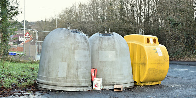 Recycling bins, Gilnahirk, Belfast (January 2018)