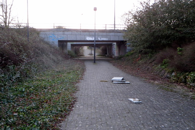 Path and Cycle track to the shopping centre