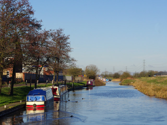 Leeds - Liverpool Canal (Rufford branch) at Plox Brow