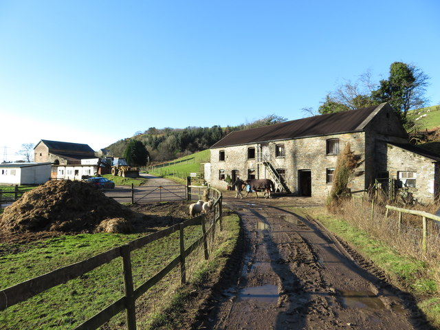 Cottages now used as stables near Llanbad