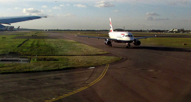 Aircraft on taxiway, Heathrow airport
