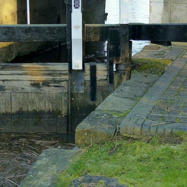 Lock detail, Sawley Flood Lock No.1