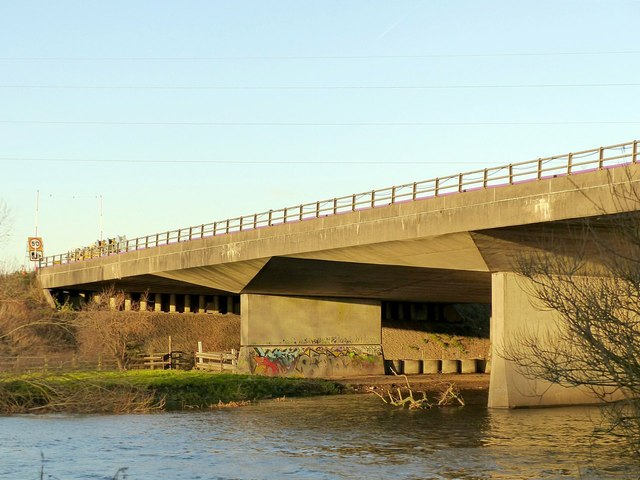 M1 viaduct over the River Trent – detail of the main spans
