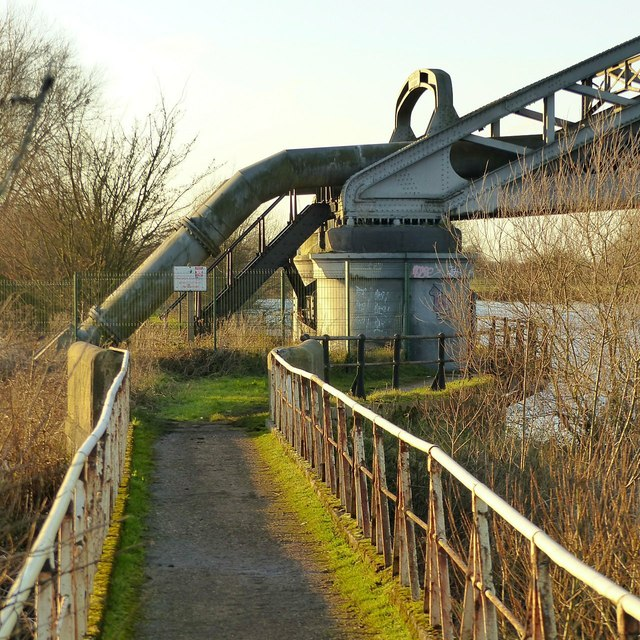 Pipe bridge over the River Trent near Sawley – southern abutment