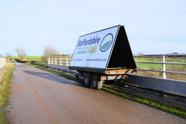 Advertising trailer over the A5