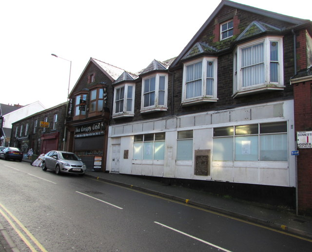 Former Lloyds Bank branch, High Street, Tonyrefail