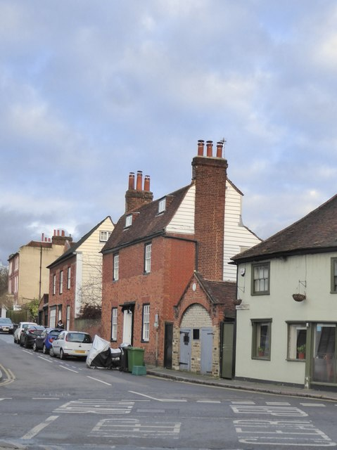 Ewell: Church Street - the Watch House and 'Roslyn'