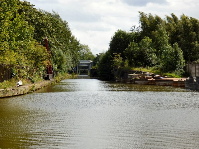 Approaching the Barton Aqueduct