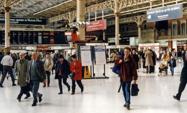 Victoria (Central) Station concourse, 1995