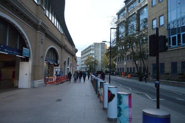 St Thomas's Street