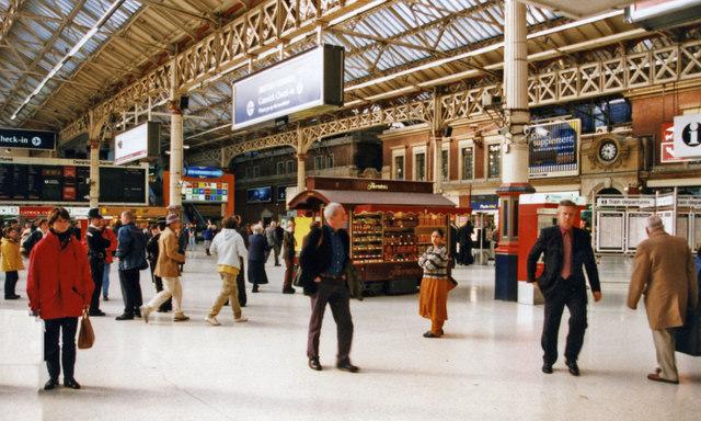 Victoria (Central) Station concourse, 1999
