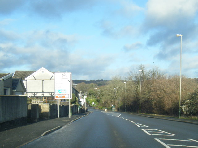 A469 Cardiff Road at Glan-y-nant by Colin Pyle