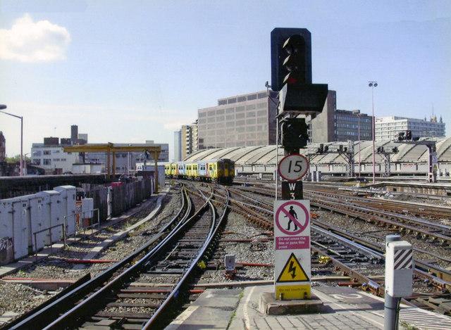 Waterloo station, end of Platform 2/3, 2006