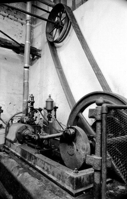 J C Thompson & Co, Duron Works - steam engine