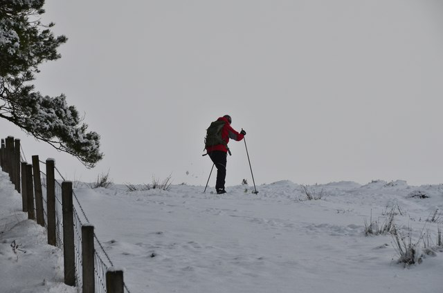 Ski touring on Cademuir