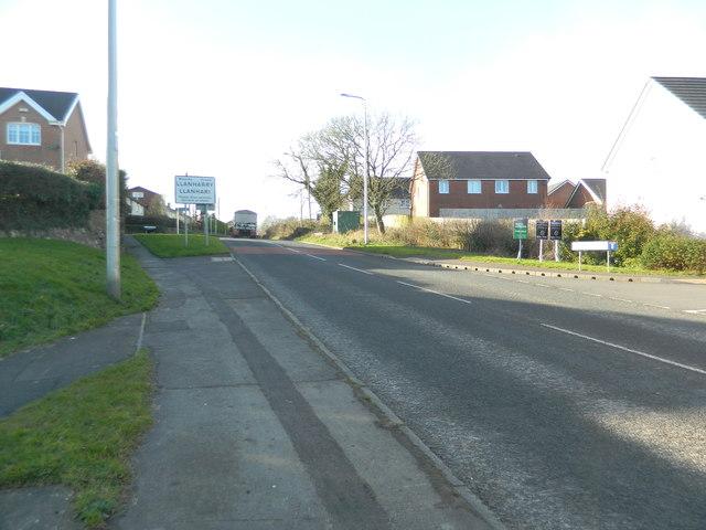 Entering Llanharry on Llanharry Rd