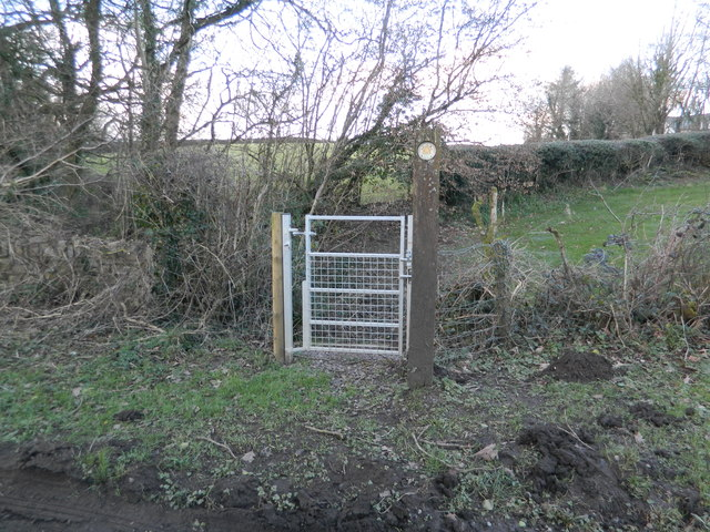 Gate to footpath near Ty-maen Farm