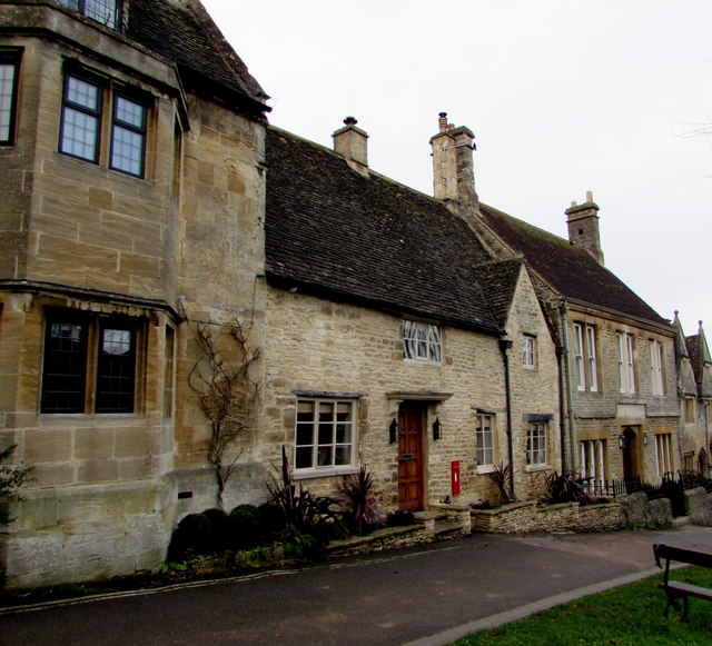 Gryphon House, Burford