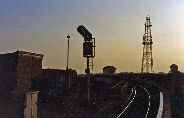 Willesden Junction (High Level), evening scene 1994