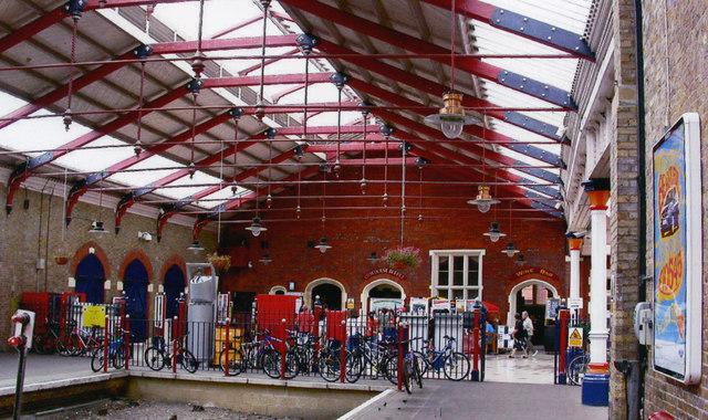 Windsor & Eton Riverside station, concourse 2005