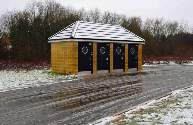 Public toilets, Kilkenny Lane Country Park, Carterton, Oxon