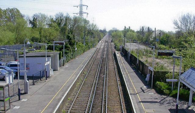 Wraysbury station, 2007