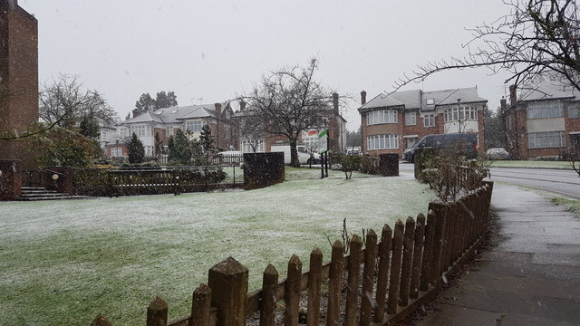 Snow again in London N14