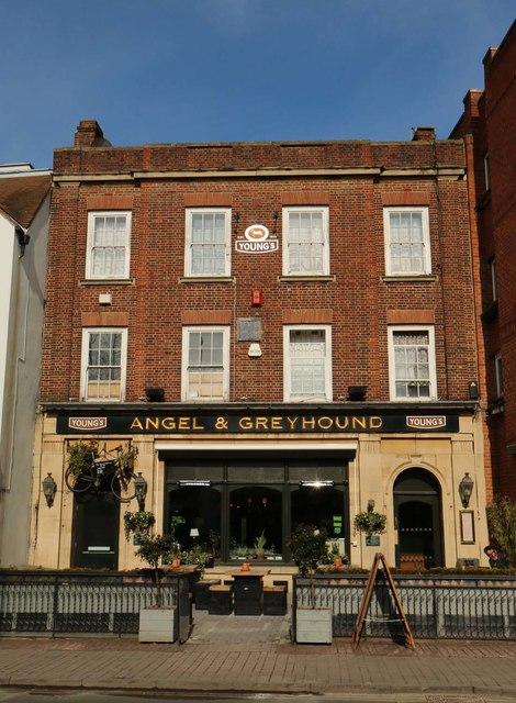The Angel & Greyhound on St Clements