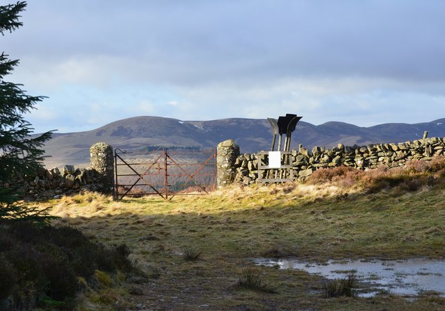 Gate at the pass, Dead Wife's Grave