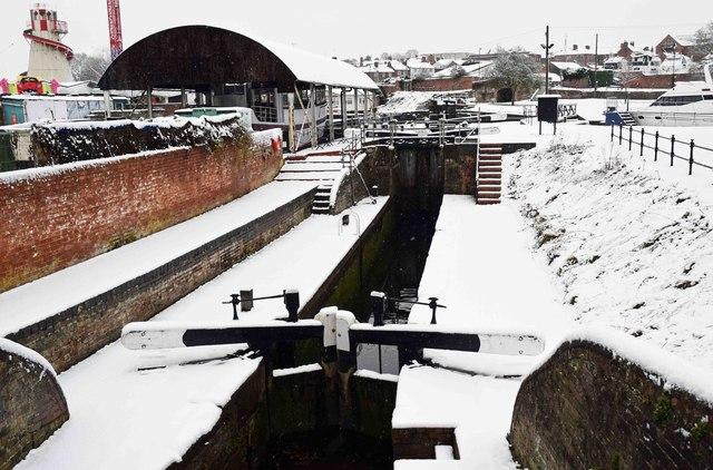 Narrow lock in winter, Stourport-on-Severn