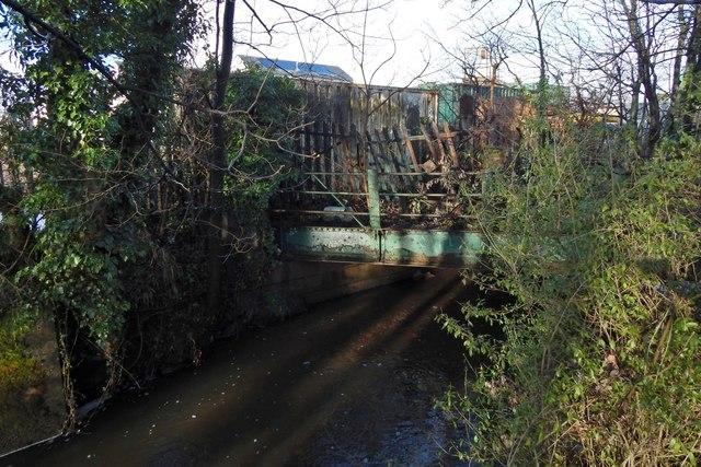 Disused railway bridge over Gruggies Burn