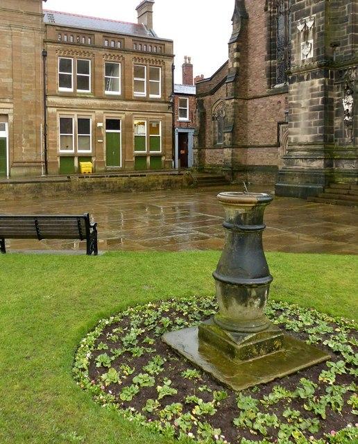 Sundial, St Michael's churchyard, Macclesfield