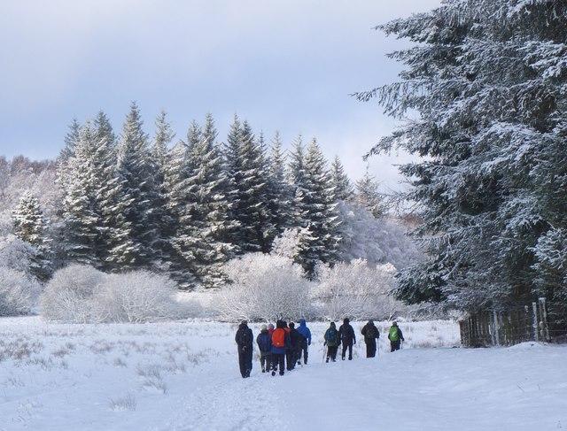Winter walk to Portmore Loch
