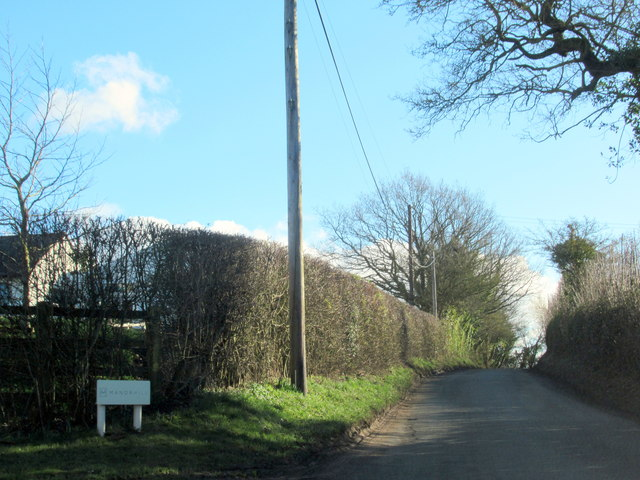 Swan Lane Passing Manor Hill