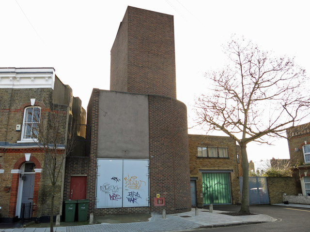 Victoria Line ventilation shaft, Pulross Road, SW9 (2)