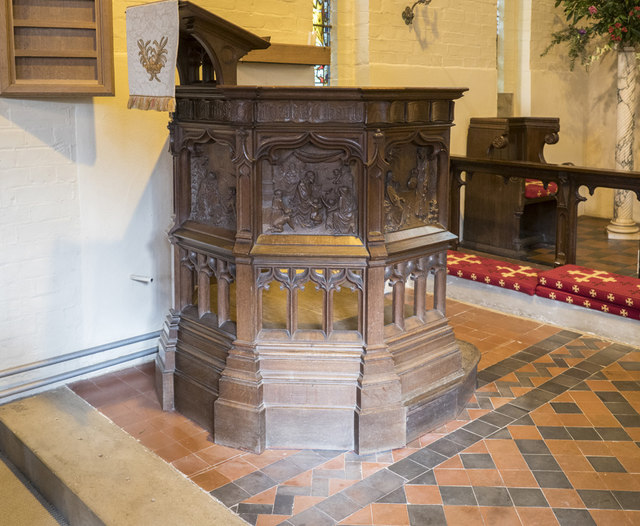 St Mary, Childwick Green - Pulpit