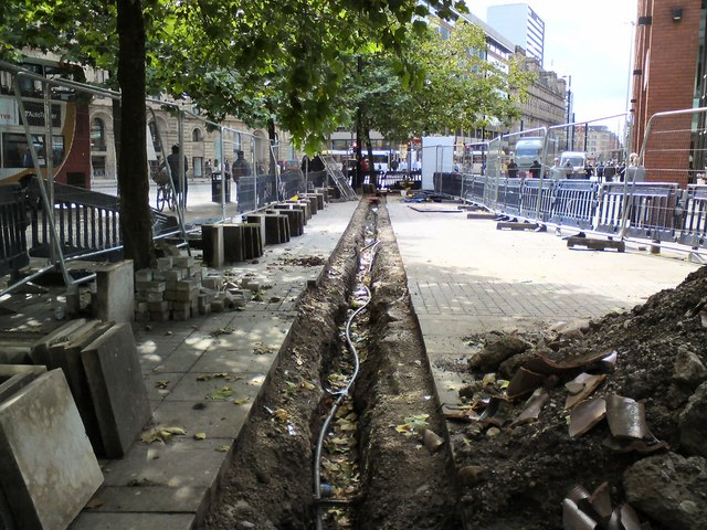 Cable-laying at Piccadilly