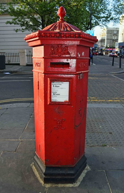 Victorian Penfold type postbox (1), corner of Ladbroke Grove & Oxford Gardens, Kensington, London