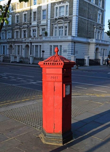 Victorian Penfold type postbox (2), corner of Ladbroke Grove & Oxford Gardens, Kensington, London