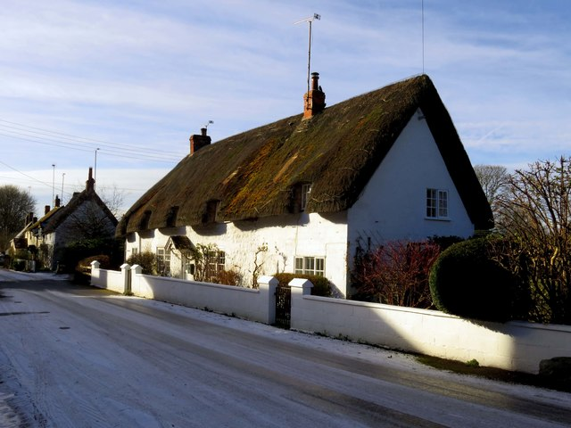 Thatched cottages on High Street