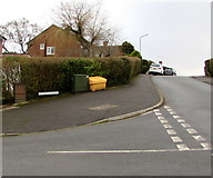 ST3091 : Yellow and green corner of Anderson Place and Wavell Drive, Malpas, Newport by Jaggery