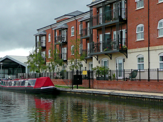 Canalside apartments in Worcester
